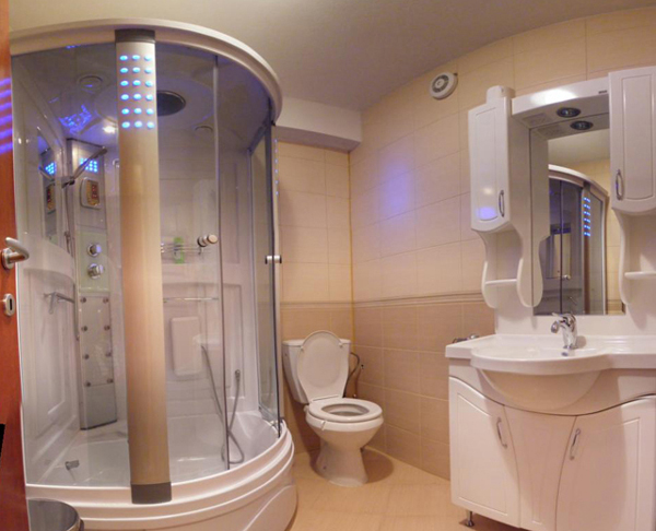 Hotel Villa Dislievski, Ohrid - Bathroom