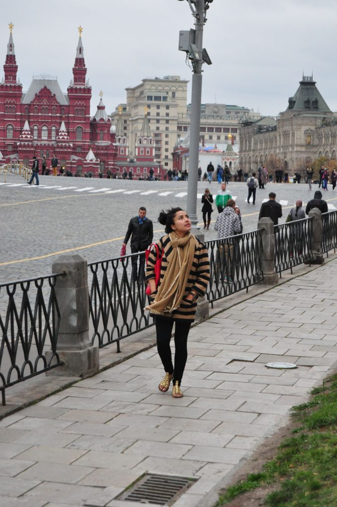 Aarti_Posing_Red_Sqaure_Moscow